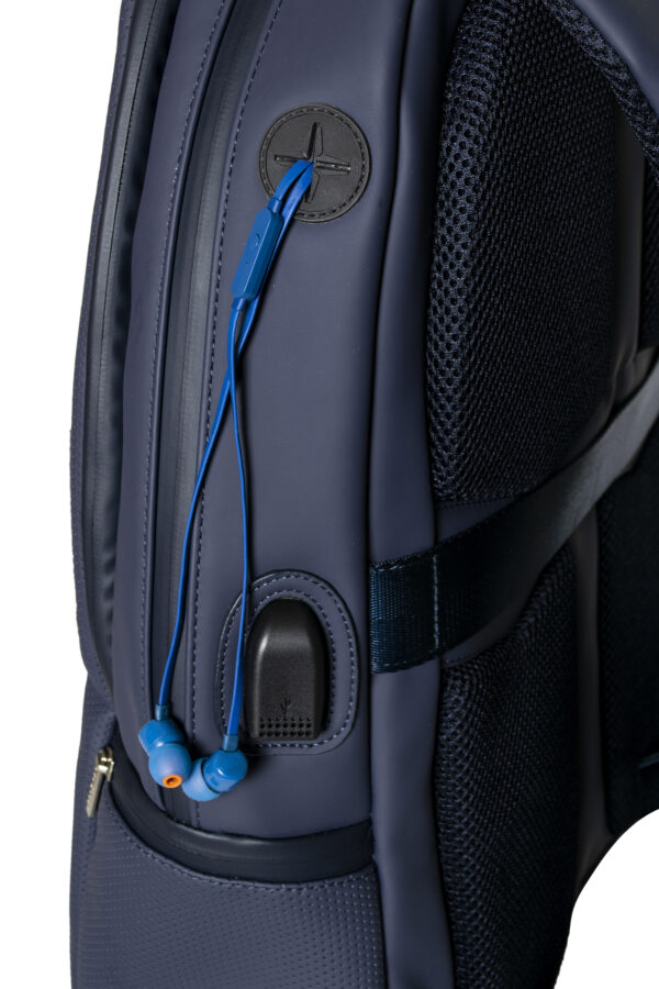 Business backpack - Headphone port